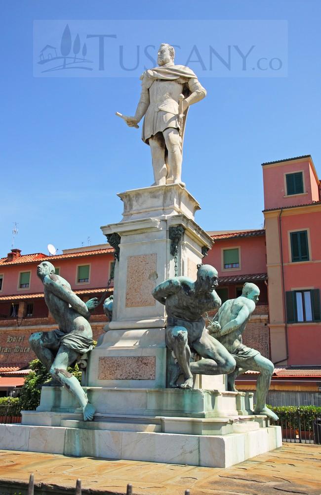 4-mori-statue-livorno
