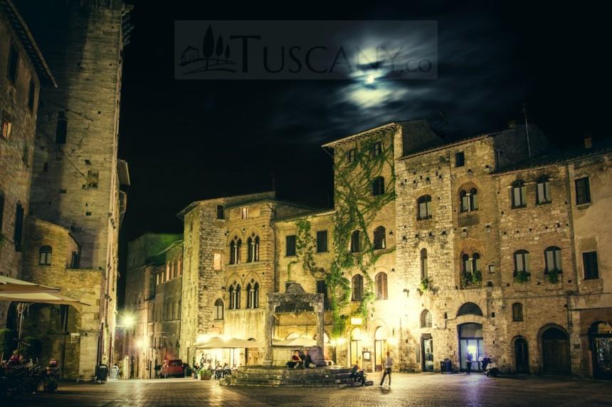 san-gimignano-piazza-della-cisterna-night